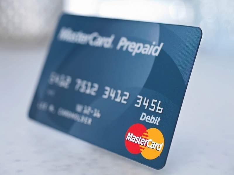 thẻ trả trước là gì